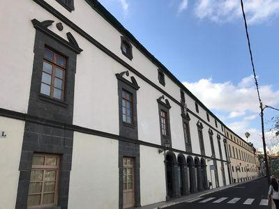 Onduline participa en la rehabilitación energética e impermeabilización de la cubierta del histórico hospital San Martín de Vegueta