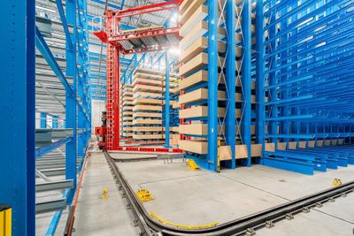 Mayor eficiencia en el almacenamiento de madera totalmente automático construido por OHRA para Drevo Trust