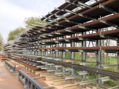 Wienerberger aumenta la eficiencia de su almacén exterior gracias a las estanterías cantiléver de OHRA