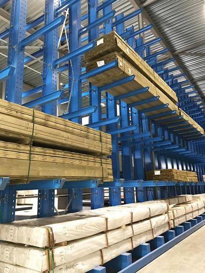 4PLUS duplica la capacidad de su almacén central utilizando estanterías cantiléver OHRA